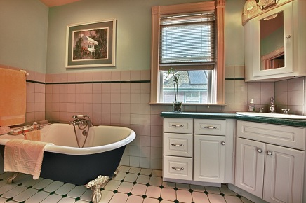 Bathroom Remodel around an old claw foot tub
